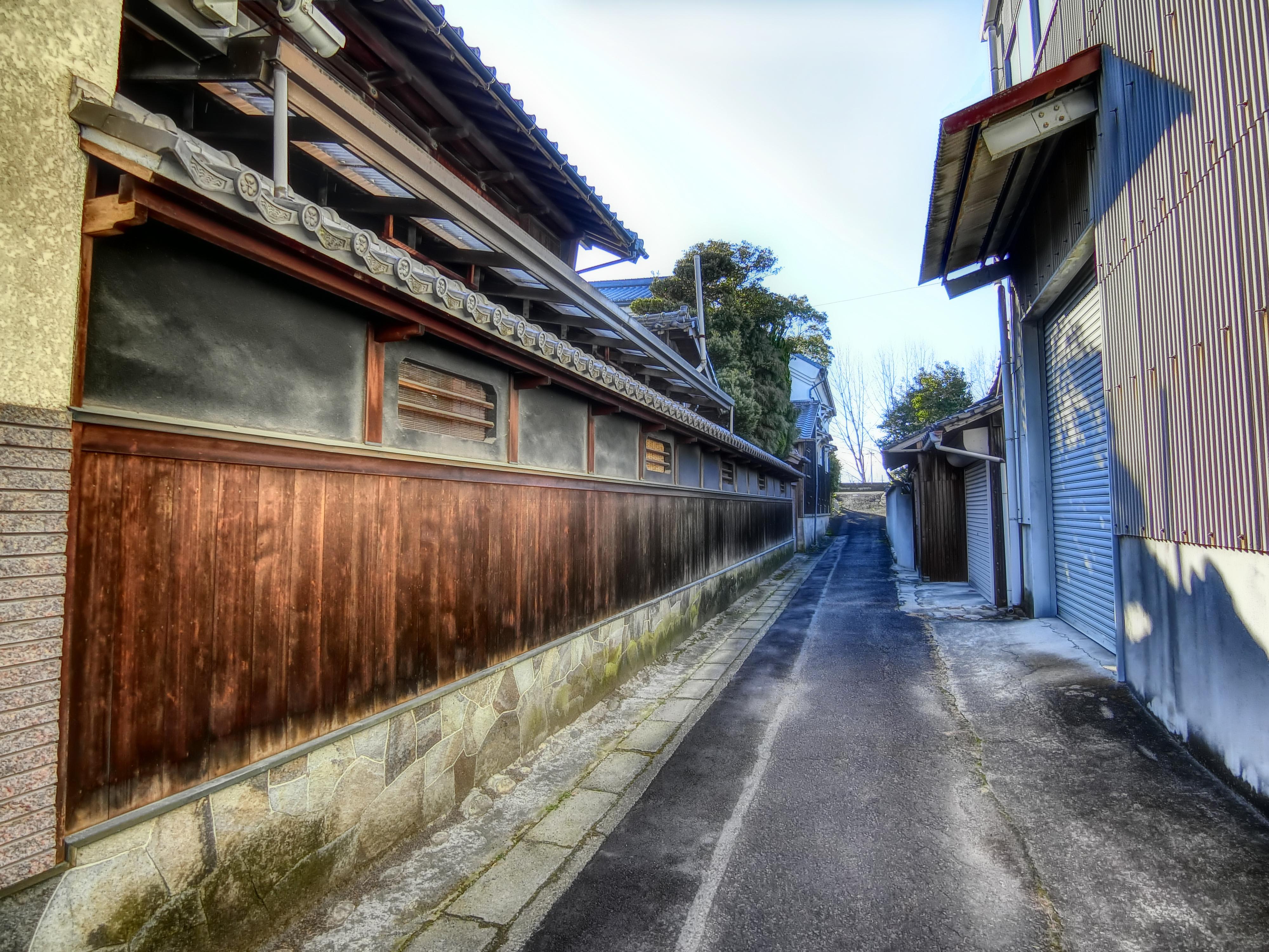 蟹江町には迷い込むのが楽しい路地がたくさんあるのです!
